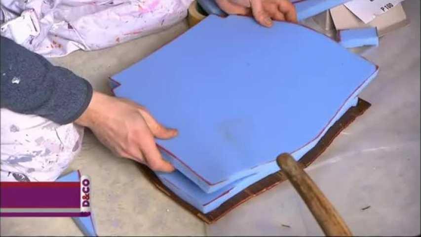 retapisser une chaise medaillon latest retapisser une chaise medaillon chaises mdaillon. Black Bedroom Furniture Sets. Home Design Ideas