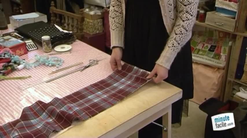 Réaliser une écharpe doublée ornée - Minutefacile.com 655504e7c2c