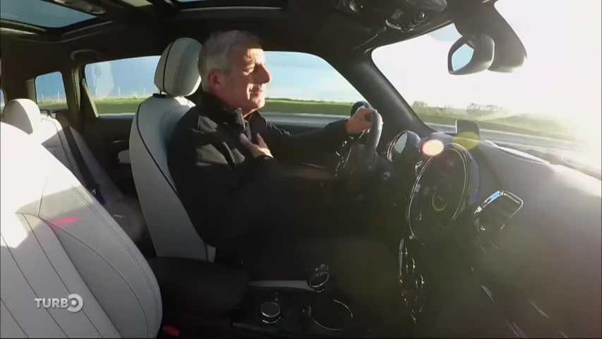 Turbo du 04/10/2015 : Mini Clubman 2, BMW Série 7 2015, Audi A4 V, Jeep Renegade...