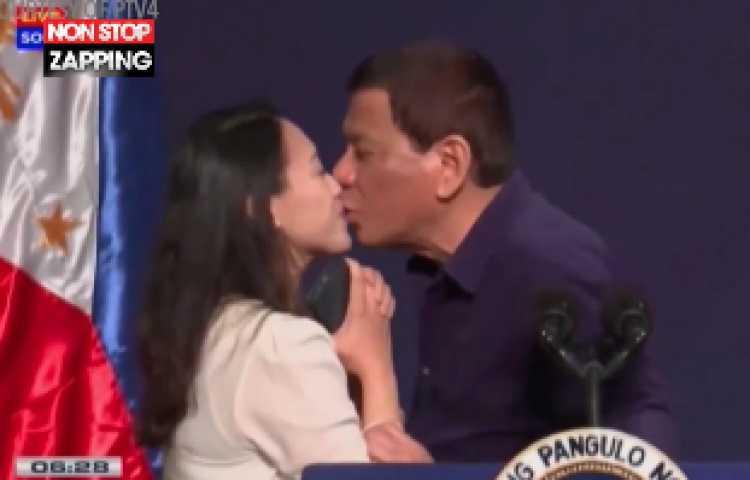 salope de 10 ans baise une inconnue