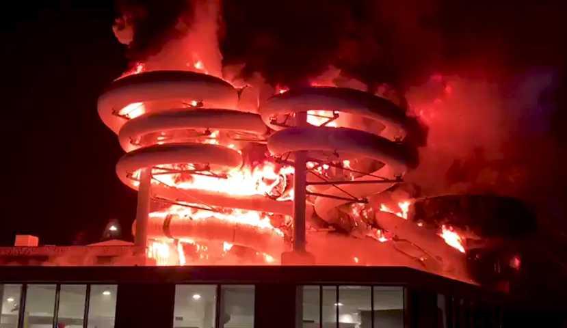 Le Terrible Incendie De La Nouvelle Piscine De Courtrai Qui