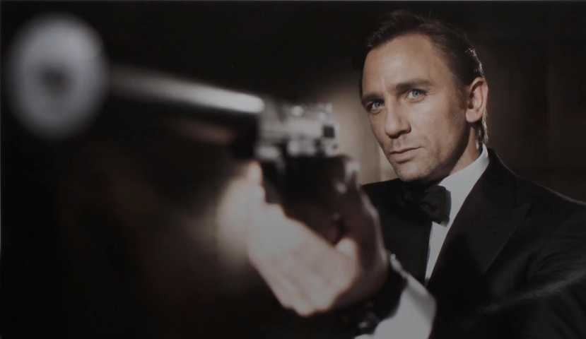 Futur Bond Dh FemmeLa Le James Une Sera 8kn0wPO